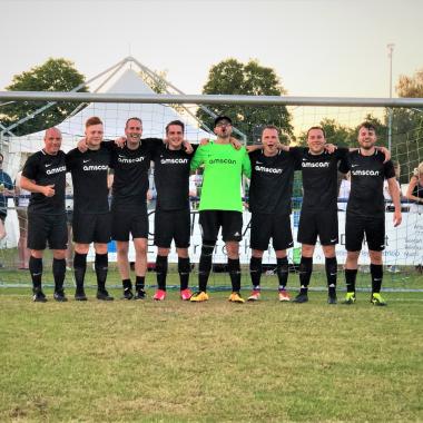 Unsere Fußballmannschaft im Einsatz. #amscansoccerteam #power #football
