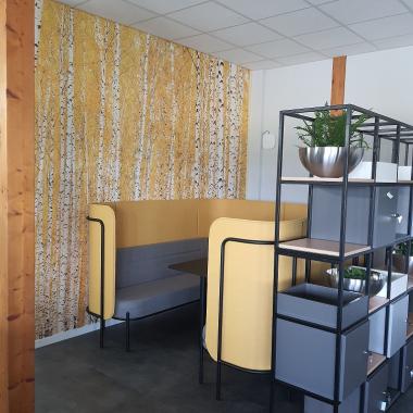 Unser neu eingerichtetes Office bietet auch Raum für eine Pause.