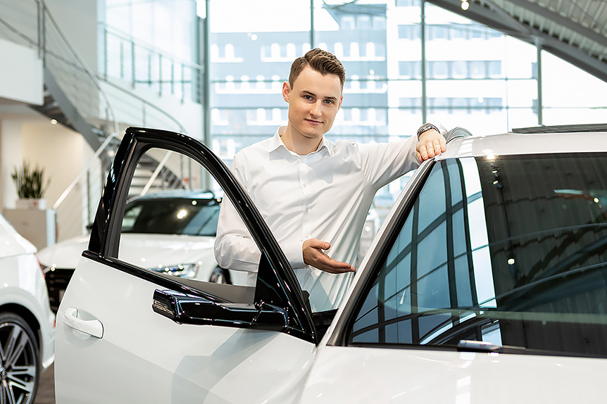 Automobilverkäufer