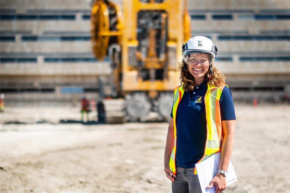 Bauingenieurin und internationale Projektleiterin
