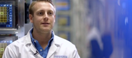 Frequentis Mitarbeiter-Interview mit Stefan, Customer Service Engineer