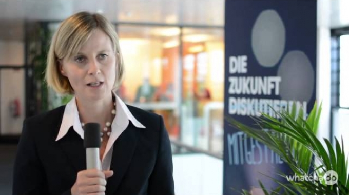 Andrea Arlow - Marketing Manager Services & MPS – Mach dir dein eigenes Bild.
