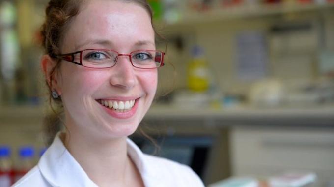 Mitarbeitervideo von Jessica Rühs, Medizinisch-Technische Assistentin (MTA) im Bereich ELISA bei EUROIMMUN