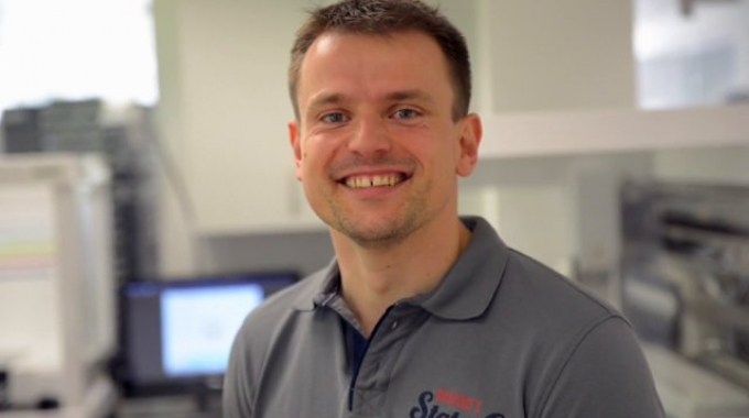 Mitarbeitervideo Zbigniew Sikorski, Software-Entwickler Embedded Systems bei EUROIMMUN