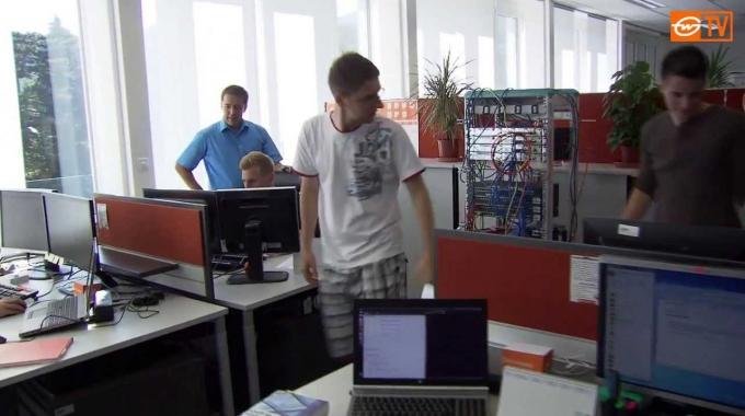 Bewegende Berufe | IT-Techniker/in, IT-Informatiker/in