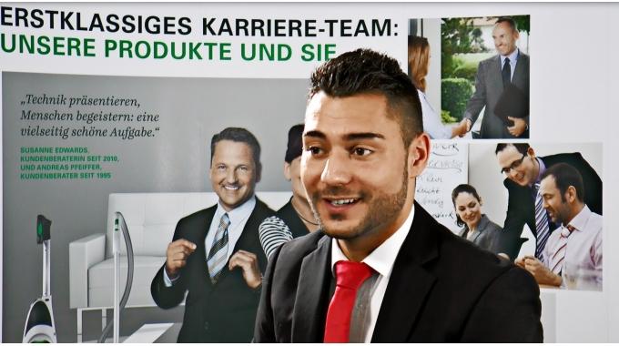 Menschen bei Vorwerk: Deniz Aydin, Kundenberater Kobold (DE)