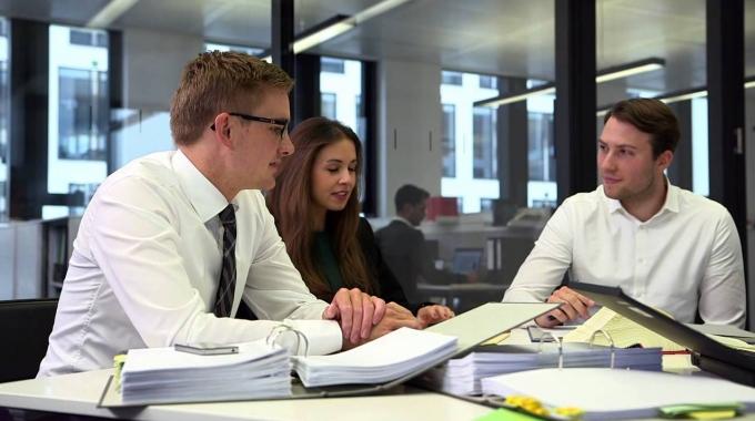 Karriere@EY - Ihr Einstieg in der Advisory Services