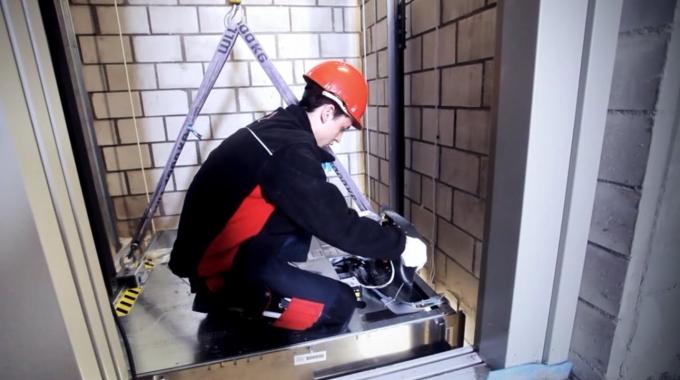 Deine Ausbildung zum Polymechaniker EFZ, Fachrichtung Aufzugsmontage