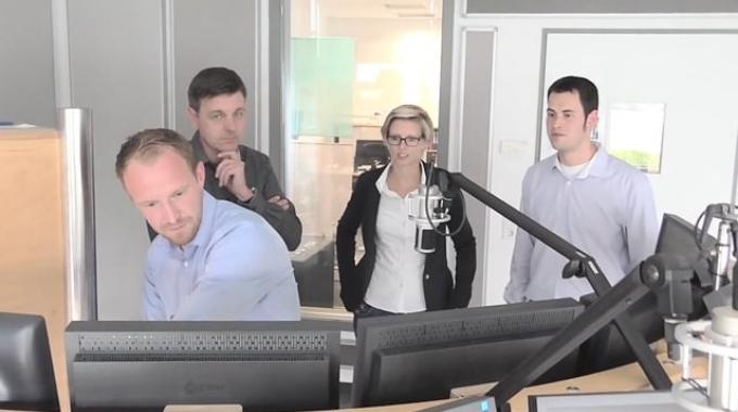 avitea-Mitarbeiter unterstützen bei Radiospotproduktion