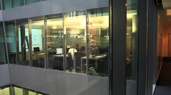 Training Center Zürich - Fast Lane Institute for Knowledge Transfer GmbH