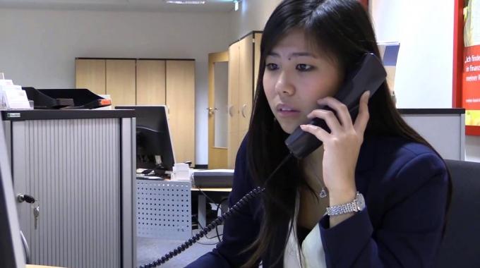 Judy Chen erzählt, warum sie sich für die Ausbildung zur Bankkauffrau bei der Haspa entschieden hat und gibt wertvolle Tipps für zukünftige Bewerber.