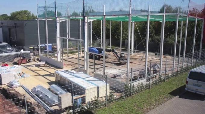 Bau einer unserer neuen Lagerhallen (Zeitraffer)
