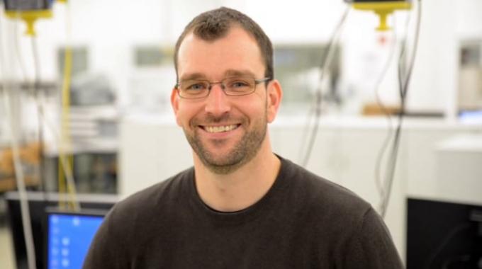 Mitarbeitervideo Lars Richter, Entwicklungsingenieur Analysetechnik bei EUROIMMUN