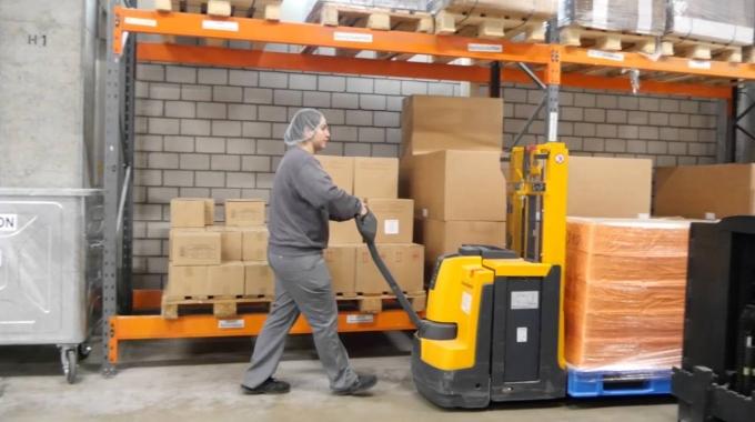 Lehrstelle als Logistiker/in EFZ bei der JOWA AG