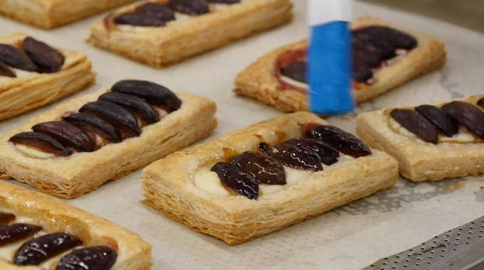 Lehrstelle als Bäcker/in-Konditor/in-Confiseur/in EFZ bei der JOWA AG