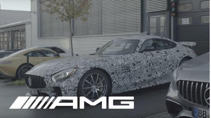 Arbeiten in der Powertrainentwicklung bei AMG