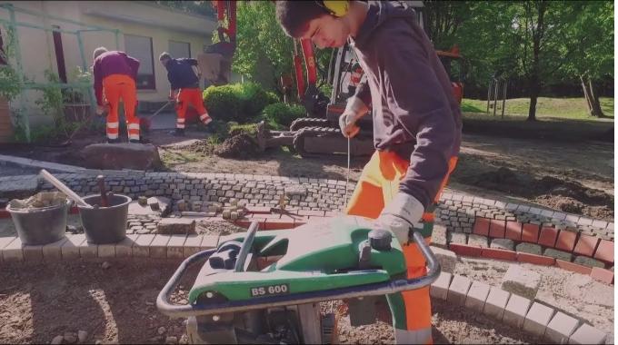 Ausbildung zum Gärtner mit der Fachrichtung Garten-Landschaftsbau