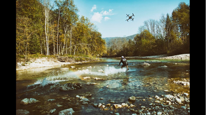 Innovative wakeskate drone ride