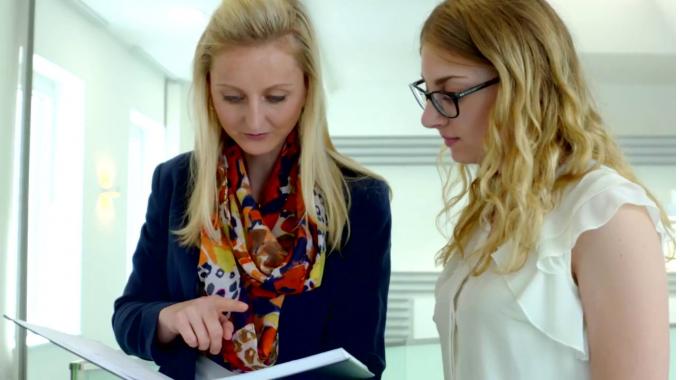 Ausbildung: GLS-Azubis geben einen Einblick in ihren Arbeitsalltag