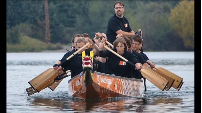 Teamspirit bei KWS: gemeinsam im Drachenboot