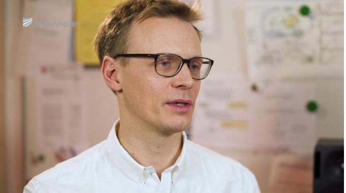 Arbeiten am Fraunhofer IIS: Max Neuendorf, Leiter der Gruppe Audio- und Sprachcodierung