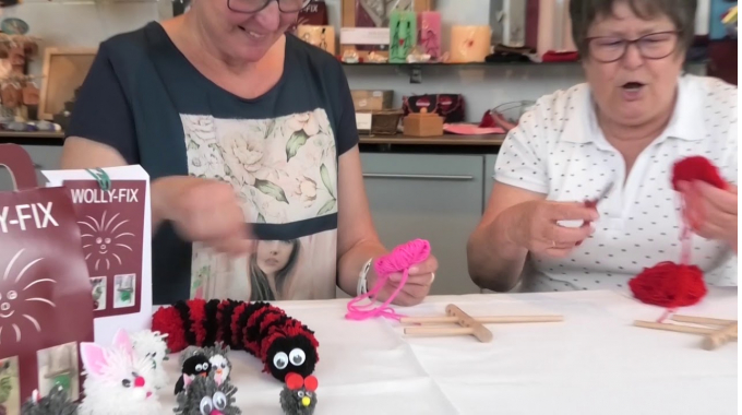 Bommeln machen mit dem  WOLLY-FIX. Tutorial – how to make a perfect pom-pom