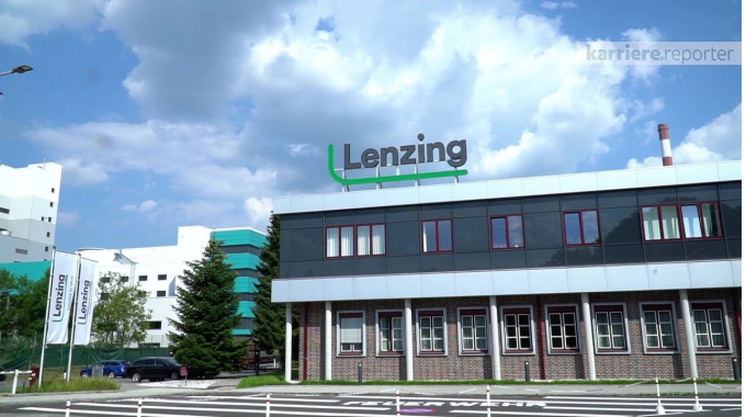 Rundgang durch das Unternehmen bei Lenzing AG auf karriere.at
