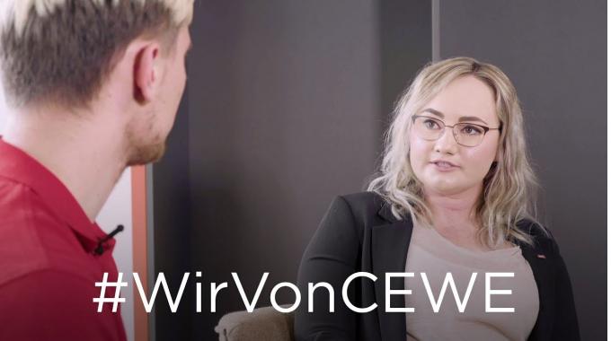 """#WirVonCEWE - Recruiterin Viola im Interview zum Thema """"Arbeiten in der Weihnachtssaison..."""