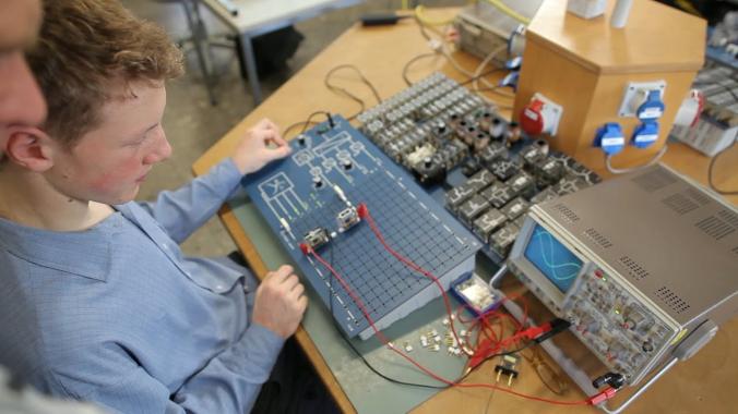 Ausbildung zum Elektroniker/-in für Betriebstechnik
