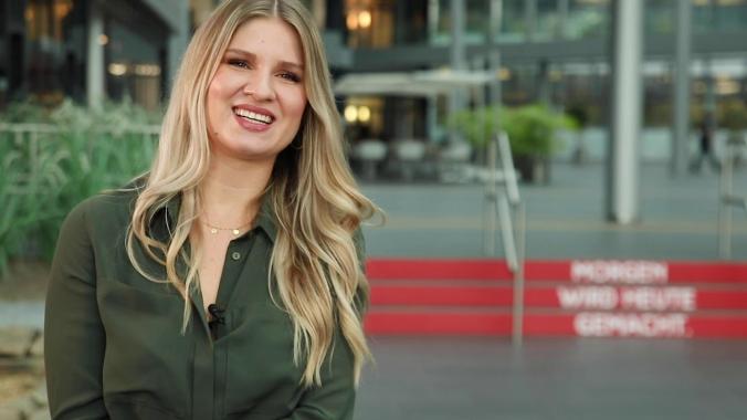 Regina Fischbein -Duales Studium / Industriekauffrau