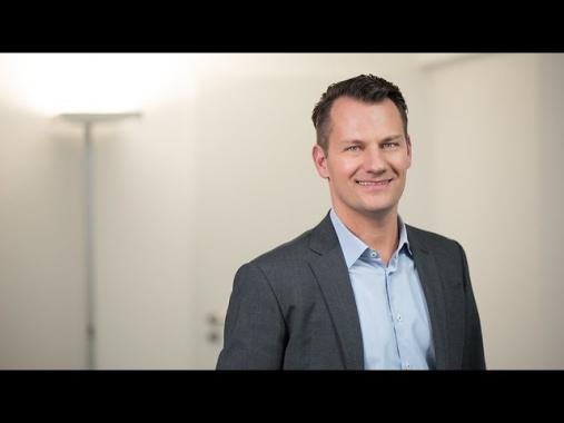 Einstieg als Branchenkenner bei der Deutschen Ärzte Finanz