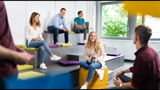 Duales Studium und Ausbildung bei VW FS -  Unser Q&A!