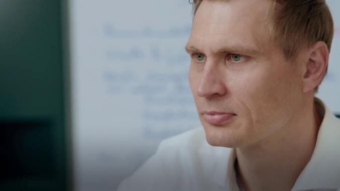 Arbeiten bei Amprion: Thomas Kuhn plant die Anbindung von Offshore-Windparks ans Ü...