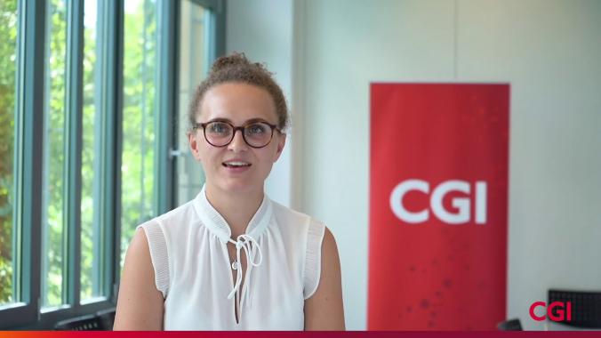 Cosima, Lead Consultant im Bereich Financial Services, berichtet von ihrem Einstieg und ...